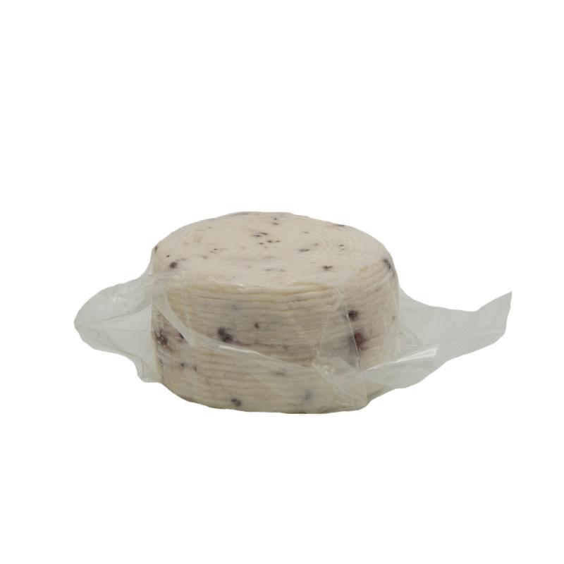 formaggio fresco di pecora con le noci Gusto Sele sotto